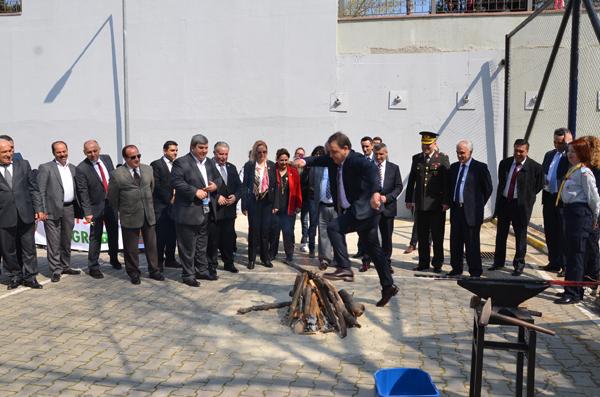 Nevruz ateşi Değirmenköy'de yakıldı