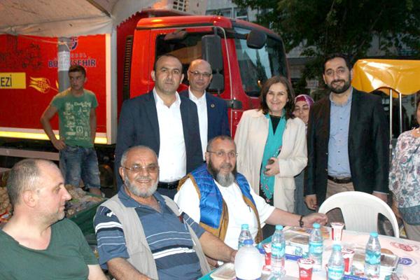Kaynarca Selimpaşa'da iftar yaptı