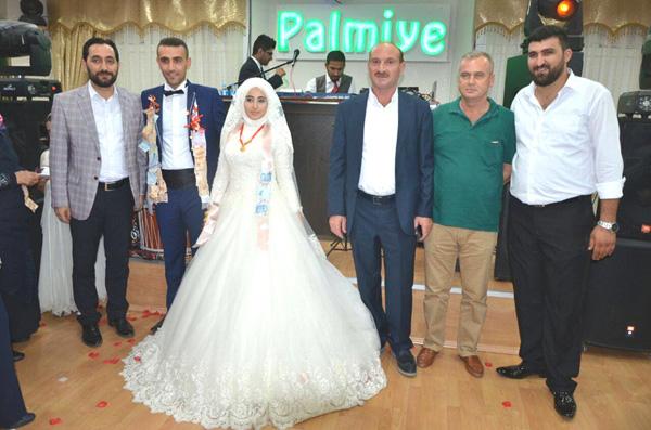 Kutlu düğünden düğüne koştu