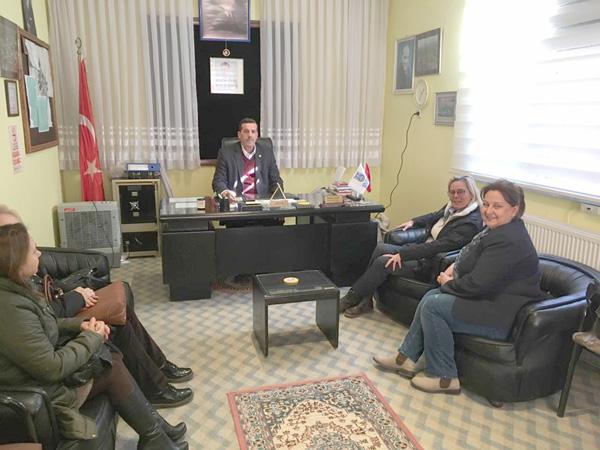 CHP'den Alipaşa'ya Referandum ziyareti