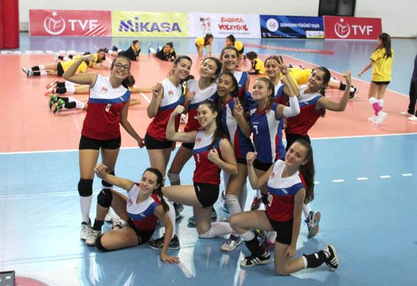 Silivrili kızlar, Ekolspor'u kolay geçti: 3-1