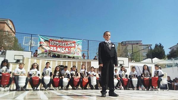 """""""Atatürk'ün meşalesini elden ele taşımanız en büyük görevinizdir"""""""
