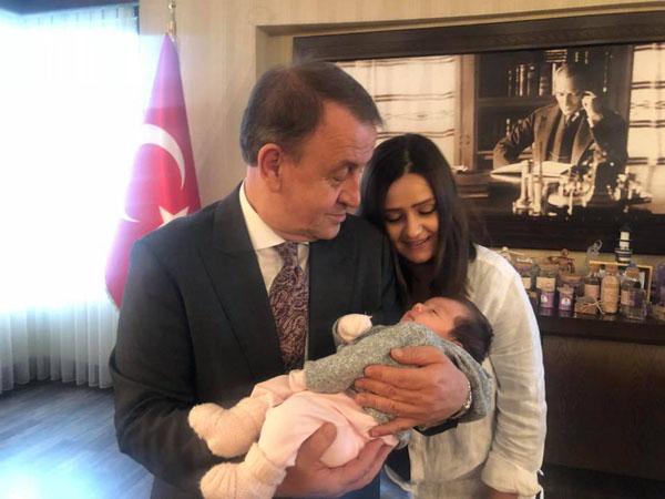 Meriç Asya, dedesini  ziyaret etti : )