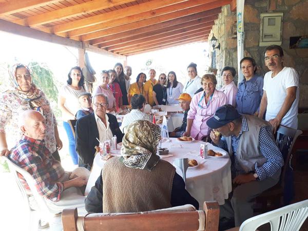 Yaşlılar Günü'nde anlamlı etkinlik