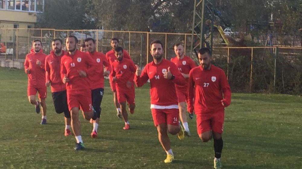 Çatalcaspor, Düzce maçının hazırlıklarını Ormanlı'da yapıyor