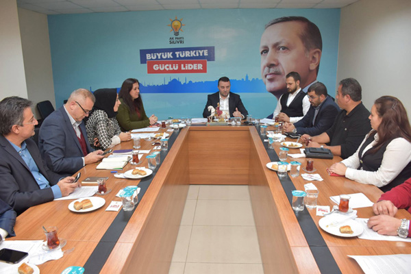 AK Yönetim toplandı