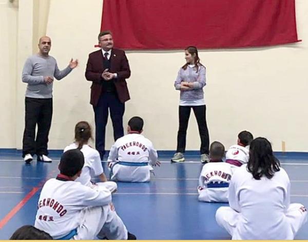 Dağaşan'dan Silivri Taekwondo'ya sürpriz ziyaret
