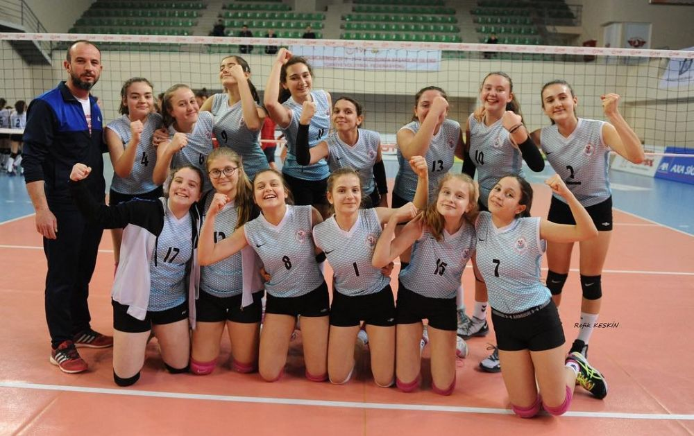 Çağrıbeyli kızlar yeniden Türkiye Finallerinde