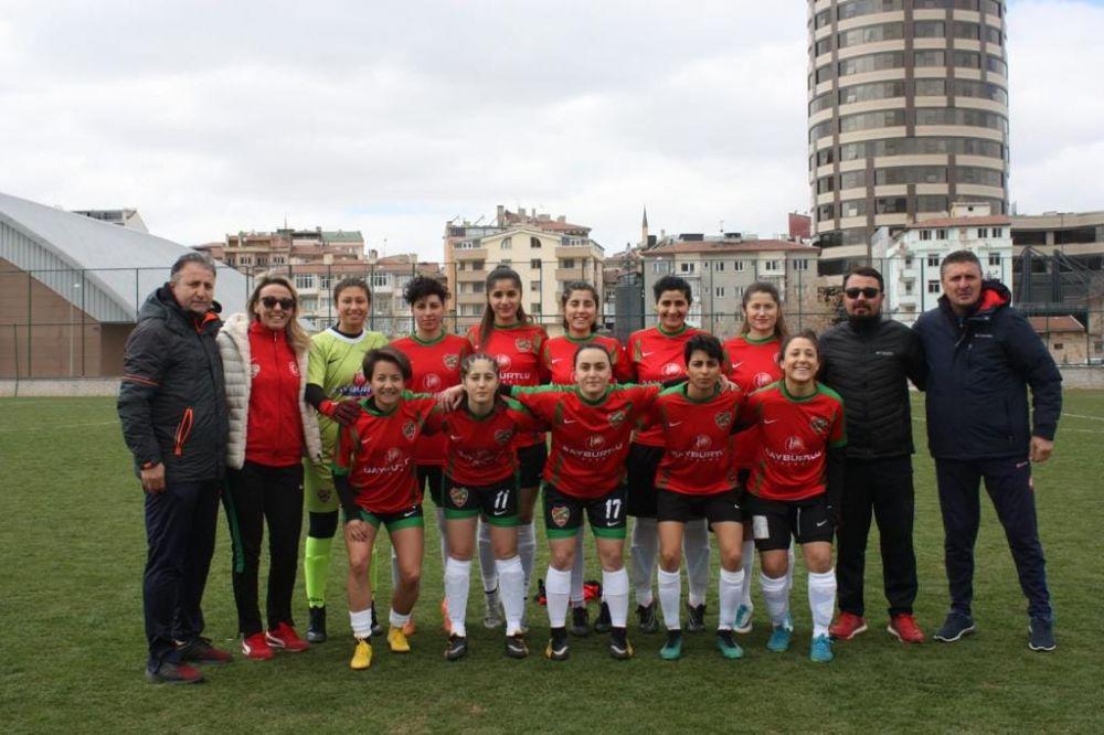 Alibeysporlu kızlar 2. Lig için Ankara'da