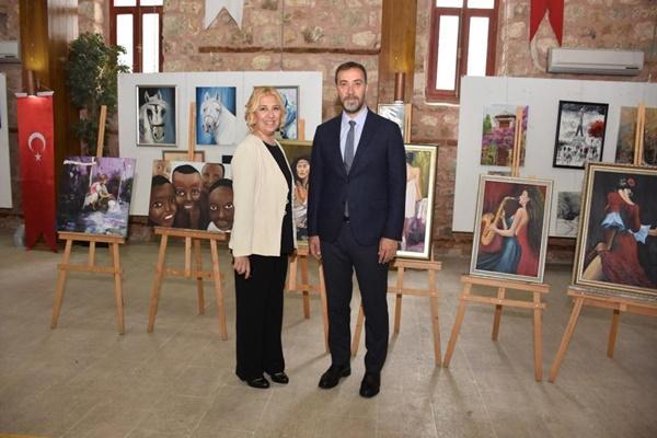 Ressam Dalkalı'dan 'sanatta 10. yıl' sergisi