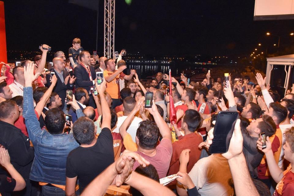 Silivri'de Galatasaray'a şampiyonluk kutlaması