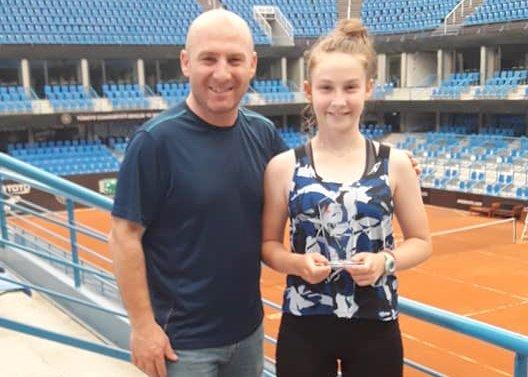 İlke Avna 16 yaş şampiyonu oldu