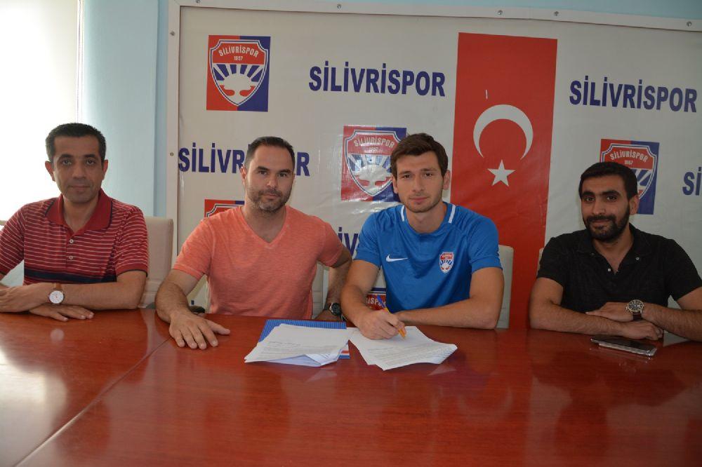 Silivrispor'a Konyaspor'dan genç stoper