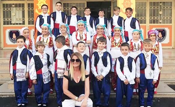 Büyük Mübadele Derneği Turgut Reis İlkokulu halk oyunlarına tebrik