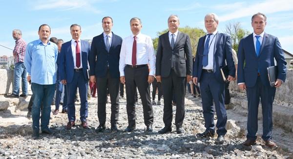 Yerlikaya'dan 'Mimar Sinan Köprüsü' açıklaması