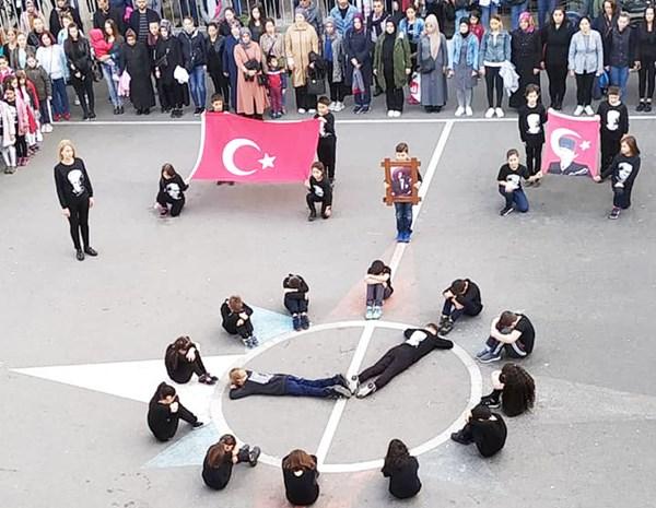 Atatürk, bizim ışığımız, umutla baktığımız yarınlarımız