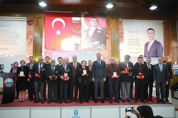 Silivri'de Kıbrıs Gazilerine madalya verildi