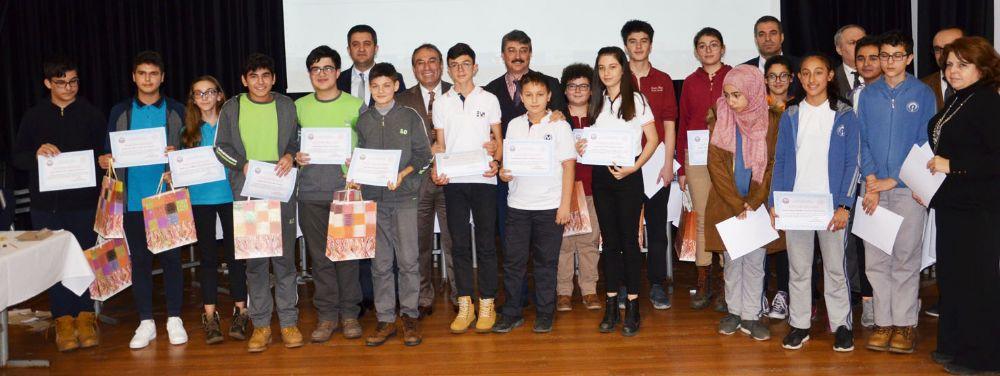 Üç en başarılı okul Bilgi Yarışması'nın finalistleri oldu