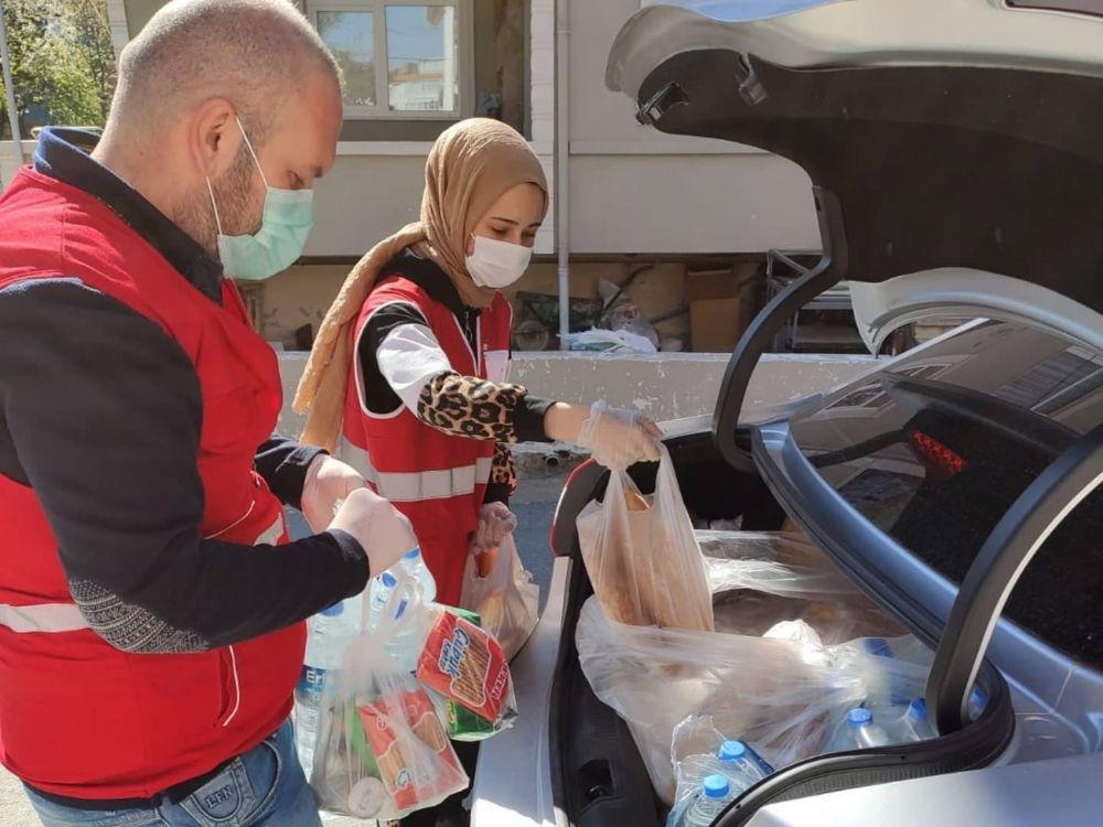 Ramazanın ilk günü Kızılay gönüllüleri iş başındaydı