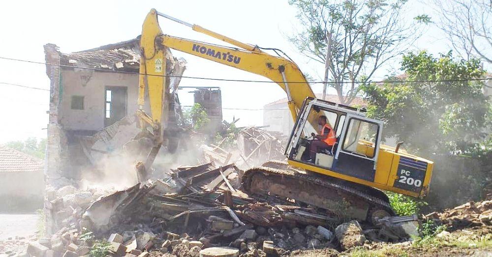 Fener'deki metruk yapılar yıkıldı