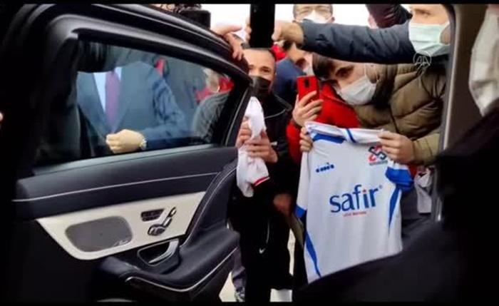 Cumhurbaşkanı Erdoğan'dan amatör futbolculara müjde